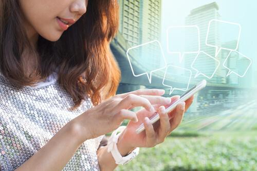 選び方③:ネットや知人から情報収集!口コミや体験談を参考にして選ぶ